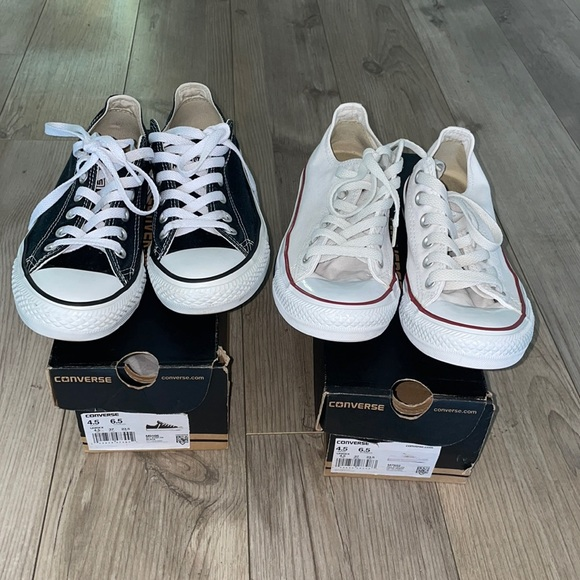 2 pair of converse size 4.5